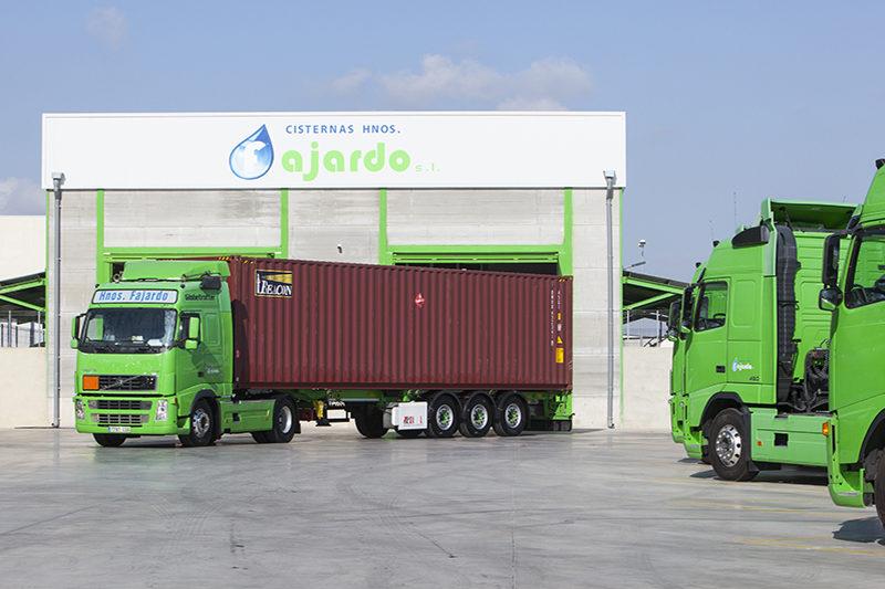 Empresa de transportes de contenedores por carretera