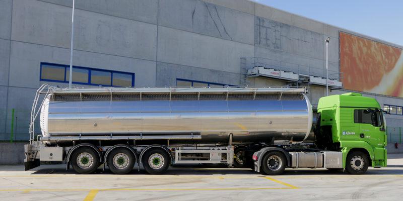 Somos especialistas en transportar líquidos ADR