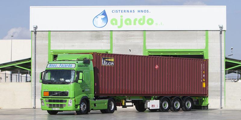 Trasnportamos contenedores en plataformas basculantes y fijas